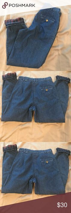 VTG Woolrich size 10 high waisted flannel jeans Vintage Woolrich size 10 high waisted mom jeans. Tapered leg and plaid flannel lined Woolrich Jeans