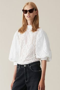 White broderie anglaise blouse with a standing collar and balloon sleeves. Boho Fashion, Fashion Looks, Fashion Outfits, Myanmar Dress Design, T Shirt Crop Top, Fancy Blouse Designs, Bohemian Mode, Lace Tops, Women Wear