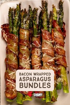 Garlic Bacon Wrapped Asparagus Bundles: Preheat the oven to Brush the asparagus spears lightly with melted Garlic Butter.Bundle the asparagus in t. Grilled Asparagus Recipes, Asparagus Bacon, Bacon Recipes, Vegetable Recipes, Appetizer Recipes, Cooking Recipes, Healthy Recipes, Bacon Wrapped Asparagus Baked, Bacon Wrapped Appetizers