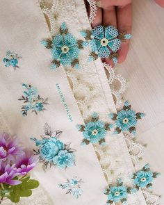 Fotoğraf açıklaması yok. Needle Tatting, Needle Lace, Knitted Poncho, Knitted Shawls, Knit Shoes, Washi, Ravelry, Lace Making, Sweater Design