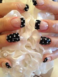 Black & white poka dots nails