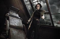 Still of Johnny Depp in Sweeney Todd: The Demon Barber of Fleet Street (2007) http://www.movpins.com/dHQwNDA4MjM2/sweeney-todd:-the-demon-barber-of-fleet-street-(2007)/still-1304923392