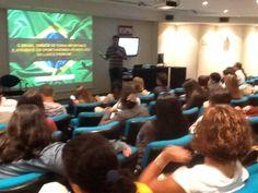 Carlos Ferreirinha palestra no MISTO da Ideia s/a na ESPM-RJ sobre Mercado de Luxo e Mídias Sociais.