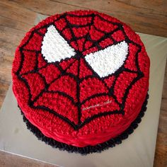 Spiderman Birthday Cake, Dad Birthday Cakes, Cake Decorating Piping, Birthday Cake Decorating, Bolo Mickey Baby, Ant Crafts, Angry Birds Cake, Cake Piping, Cake Decorating Techniques
