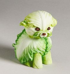 How cute are these animal sculptures that are made from fruits and vegetables! Creative animal made of fruits and vegetables that is very funny. Here are some of very creative vegetable carving works. Let's enjoy this pictures! Veggie Art, Fruit And Vegetable Carving, Veggie Food, Edible Food, Edible Art, Kreative Snacks, Deco Fruit, Fruits Decoration, Vegetable Animals