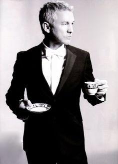 Baz Luhrmann (FAVORITE director/screenwriter/producer) Cannot wait for his next film amremake of The Great Gatsby. Baz Luhrmann, Next Film, Plasticine, Boys Life, Film School, Crew Cuts, The Great Gatsby, Scott Fitzgerald, Guest List