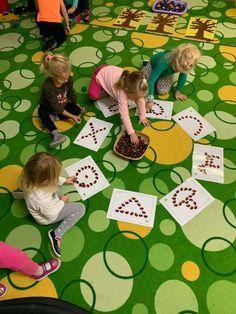 Autumn Activities For Kids, Toddler Activities, Games For Kids, Toddler Crafts, Preschool Activities, Crafts For Kids, Kindergarden Art, Motor Skills Activities, Montessori Baby