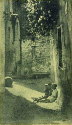 Domenico Riccardo Peretti Griva, Al sole, 1925 ca.  Stampa al bromolio   Collezione Museo Nazionale del Cinema