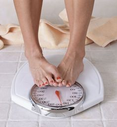20 Ways to tighten skin after weight loss. Finally I've found an alternative solution to having surgery! Lose 5 Pounds, 20 Pounds, Losing Weight Tips, Weight Loss Goals, Loose Weight, How To Lose Weight Fast, Reduce Weight, Lose Lower Belly Fat, Stop Overeating