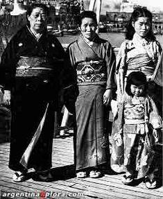 Argentina. Inmigrantes japoneses recién arribados a Buenos Aires, 1945.