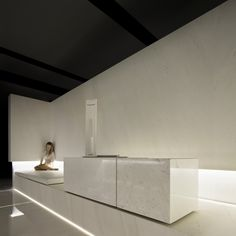 Gallery of Blanc, Showroom L'Antic Colonial / Fran Silvestre Arquitectos - 4