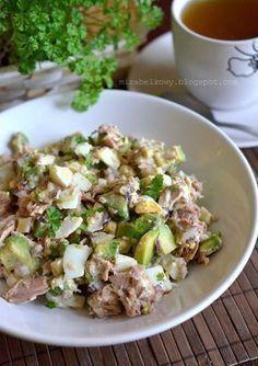 salatka z awokado, tunczyka i jajek Fish Salad, Avocado, Cooking Recipes, Healthy Recipes, Healthy Food, Food Allergies, Salad Recipes, Potato Salad, Food Porn