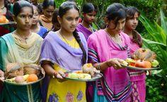 A vila indiana onde se celebra o nascimento de cada menina plantando mais de 100 árvores