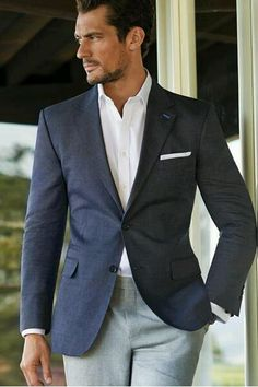 Men's fashion - summer chic. Sunset at the Zoo June 12, 2015. Learn more: http://bit.ly/1AP2Njj