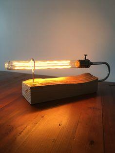 Lampe utilisable dans 2 sens . Création THOMAS Olivier