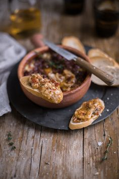 Baked camembert dip with sun-dried tomatoes, garlic & thyme