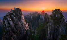 Breathtaking Sunset at Huang Shan, China