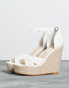 Chaussures - SOLDES - FEMME - Bershka France Compensées Mariage, Chaussure  Mariage Femme, Soldes e5bb033759d0