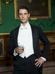 Matthew Goode stepped into the role of Henry Talbot, a beau capable of returning Lady Mary's one liners, with twinkling blue eyes, a habit of leaping into his car without opening the door and savvy enough to show himself too entranced.