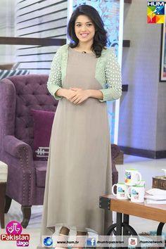 Like the color Frock Fashion, Women's Fashion Dresses, Skirt Fashion, Churidar Designs, Kurta Designs Women, Indian Designer Outfits, Designer Dresses, Designer Wear, Casual Frocks