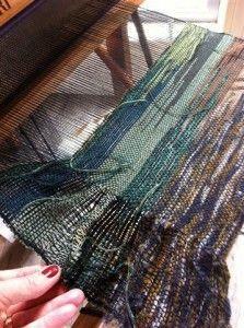 Weaving ruffles Saori style from Curiousweaver