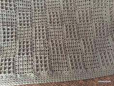 引き上げ編みを使った格子模様 サイズ95㎝×67㎝