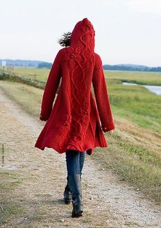 Ravelry: Sylvi pattern by Mari Muinonen / tikru. Little Red Riding Hood Pull Crochet, Knit Crochet, Yarn Projects, Knitting Projects, Laine Drops, Diy Laine, Vetements Clothing, Sweater Coats, Sweaters