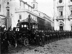 Praça do Município - 1920  Transladação dos restos mortais de Sua Magestade Imperial Dom Pedro II e de Sua Alteza Imperial Dona Tereza Crsitina para o Brasil, com honras de Chefe de Estado.