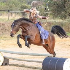 The most important role of equestrian clothing is for security Although horses can be trained they can be unforeseeable when provoked. Riders are susceptible while riding and handling horses, espec… Horse Pictures, Funny Pictures, Mounted Archery, Equestrian Outfits, Action Poses, Horse Riding, Horseback Riding, Beautiful Horses, Martial