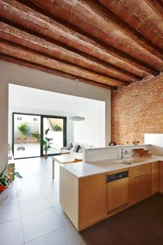 Remodelling and enlarging between dividing walls in the centre of Terrassa, Barcelona Duplex House, Future House, Sweet Home, New Homes, Inspiration, Interior Design, Home Decor, Loft, Ceilings