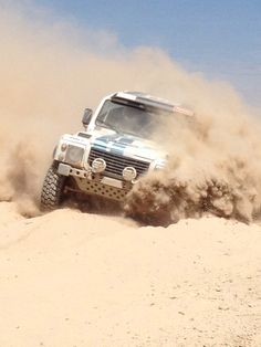 Land Rover Defender in Dakar Rally ...