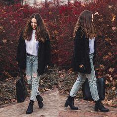 Gabriela G. - Black fur
