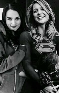 Read 021 from the story *Supercorp images* by (Maria Ana Mina Cardenas) with reads. Actriz Margot Robbie, Superhero Tv Series, Melissa Supergirl, Kara Danvers Supergirl, Trendy Watches, Lena Luthor, Cute Lesbian Couples, Katie Mcgrath, Melissa Benoist