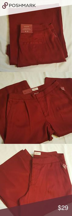 NWT Marron capris NWT marron/red wide legged Capris never used. Merona Pants Capris