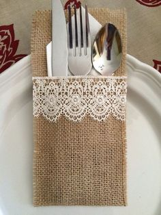 Burlap Silverware Holders with Lace / http://www.himisspuff.com/rustic-country-burlap-wedding-ideas/3/