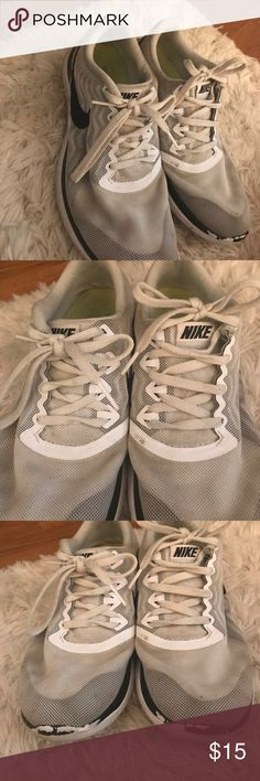White nikes Previously loved nikes, still has plenty of wear left in them I just got a new pair of white ones so do not need these anymore, loved these shoes though Nike Shoes Sneakers
