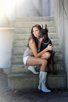 De Doberman als fashion-model - Dobermann info Unique Senior Pictures, Senior Photos Girls, Senior Pics, Senior Year, Doberman Love, Pet Paws, Doberman Pinscher, How To Pose, Tom Brady