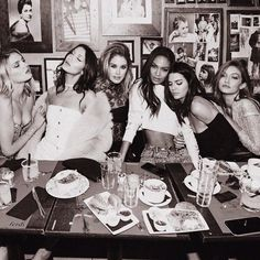 Lily Donaldson, Bella Hadid, Doutzen Kroes, Joan Smalls, Kendall Jenner, Gigi Hadid