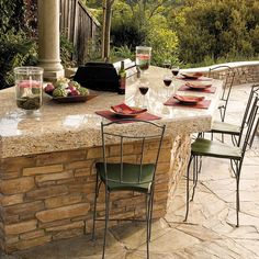 Use our plans and instructions to build a stunning bar for backyard cooking and entertaining
