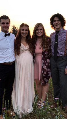 Roloffs Fans 🌎💜 (@RoloffsUpdates)   Twitter Jeremy And Audrey, Roloff Family, Audrey Roloff, Little People Big World, 19 Kids And Counting, Bridesmaid Dresses, Wedding Dresses, Good Movies, Movies And Tv Shows