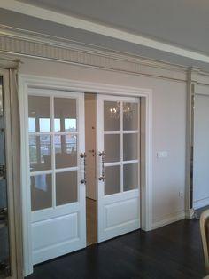 Puertas blancas con herrajes negros decoraci n for Puertas minguela