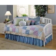 Hillsdale Carolina Daybed w/Suspension Deck & Roll-Out Trundle - White NEW