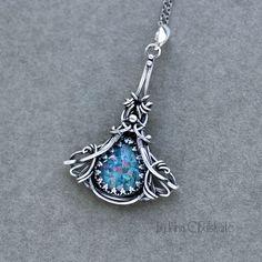 Custom order earrings made to complete the Agua Pendanttaniri.deviantart.com/art/Aqua… sterling silver, chalcedony
