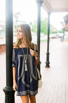 Bohemian Style Dresses - a fashion trend perfect for everyday fashion. Try these Boho Style Dresses with these boho accessories and get a gorgeous look. Vetement Hippie Chic, Boho Chic, Boho Fashion, Womens Fashion, Fashion Trends, Country Fashion, Country Outfits, Looks Style, My Style