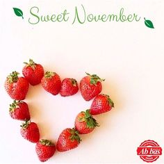 ü waffle aşk Sweet November, Waffles, Strawberry, Fruit, Instagram Posts, Food, Essen, Waffle, Strawberry Fruit