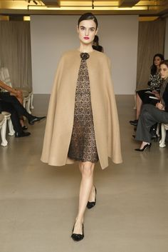 Oscar de la Renta Pre-Fall 2015 - Slideshow - Runway, Fashion Week, Fashion Shows, Reviews and Fashion Images - WWD.com