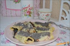 Lokse s povidly a makem Czech Recipes, Pancakes, Czech Food, Food And Drink, Lunch, Cookies, Breakfast, Crack Crackers, Morning Coffee