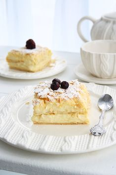 You will find here various recipes mainly traditional Romanian and Mediterranean, but also from all around the world. Custard Slice, Custard Cake, Biscuits, Nutella Cheesecake, Romanian Food, Easy Cake Recipes, Food Cakes, Food Inspiration, Holiday Recipes