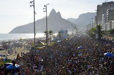 https://flic.kr/p/CJQ9Pw | Se não quiser me dar, me empresta - Ipanema - Rio de Janeiro - Foto: Alexandre Macieira | Riotur | Rio Carnaval 2016 - Se não quiser me dar, me empresta - Ipanema - Rio de Janeiro - Brasil.  ----------------------------------------- visit.rio