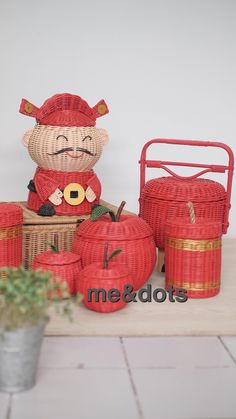 lunar year Rattan Basket, Wicker, Recycle Newspaper, Diy Projects To Try, Basket Weaving, Recycling, Pictures, Crafts, Design